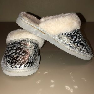 Girls silver sequence slipper shoe w/faux fur